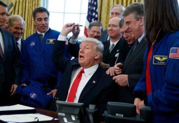 Трамп собрался на Луну