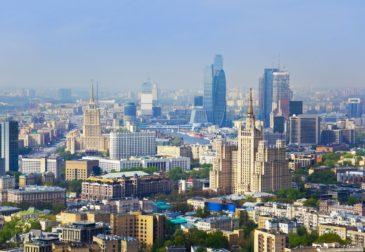Москва возвращается к привычному ритму жизни